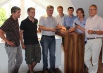 Das Projektteam von TBS Schatz unter der Leitung von Ing. Harald Mayrhofer (2.v.r.) mit Siemens VAI Projektleiter Ing. Josef Huber (3.v.l.)