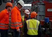 Projektleiter Robert Strel und Christoph Wurm auf der Baustelle in Kehl am Rhein